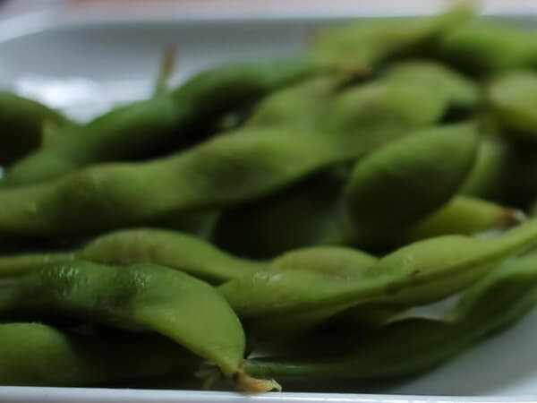 can dogs eat edamame skin